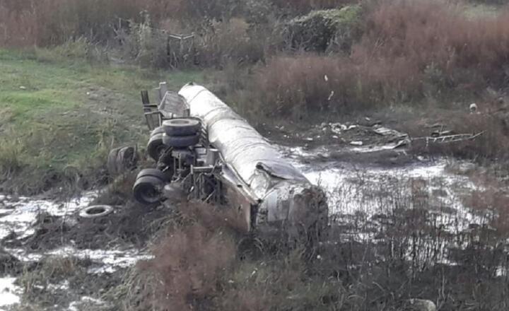 Un muerto tras el vuelco de un camión lechero en Despeñaderos