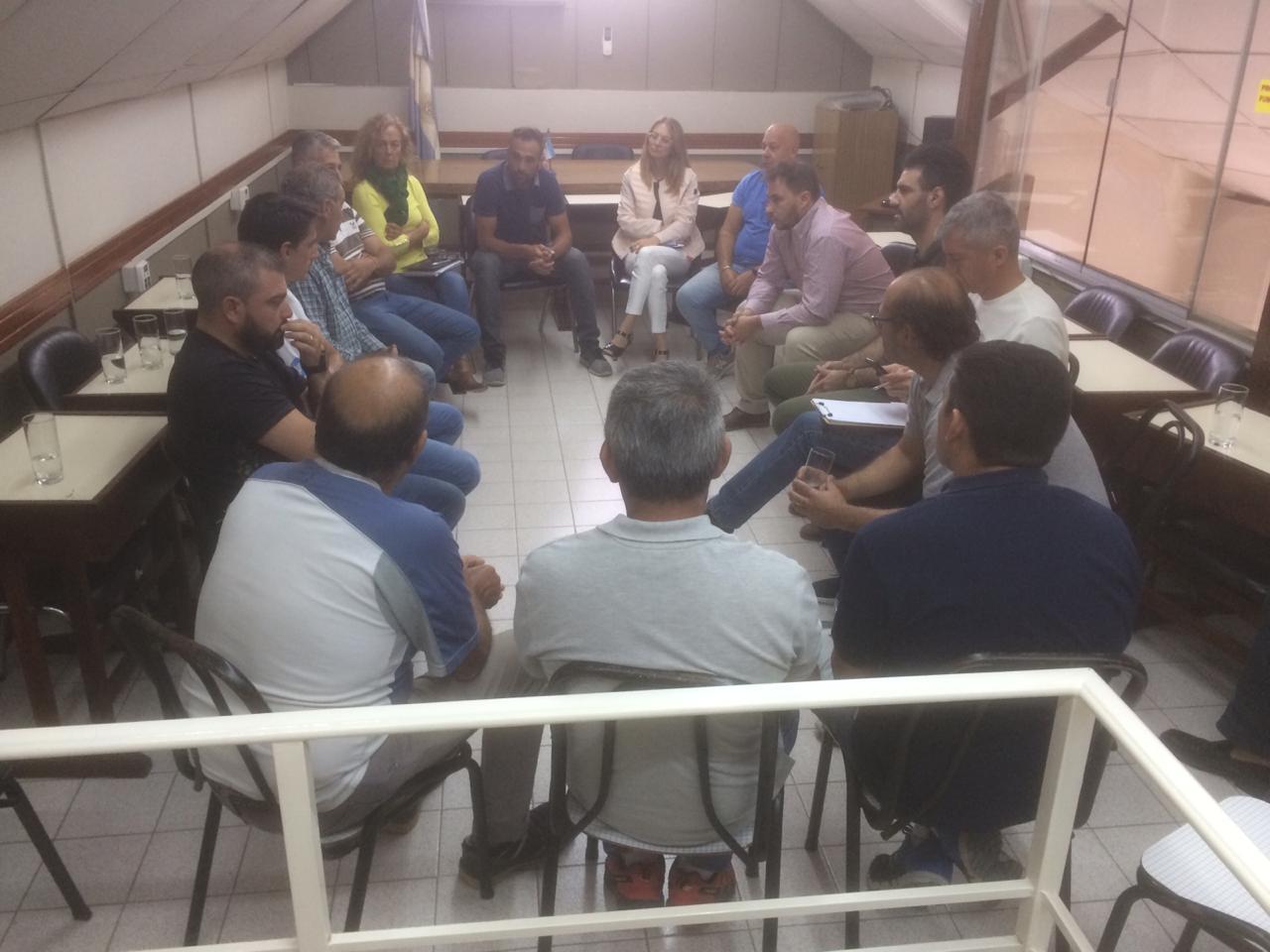 Concejales se reunieron con Integrantes de Petroquímica, ATE y UOCRA por la clausura