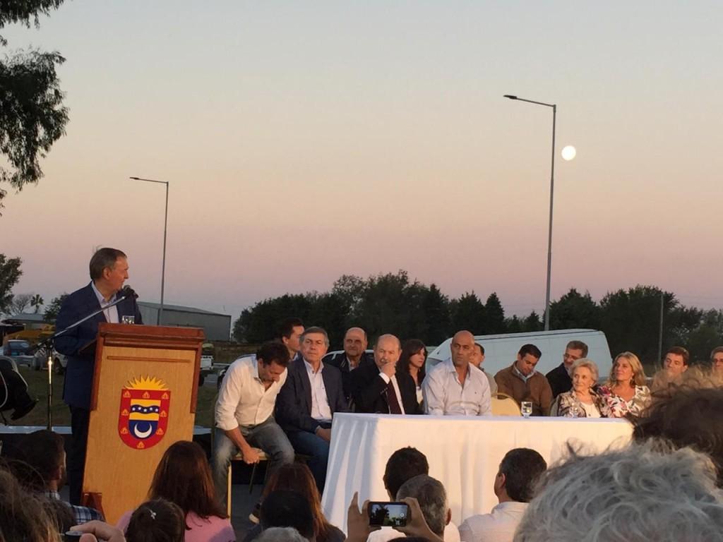 """Se Inauguraron las Luminarias Led de la """"Autovía Eduardo César Angelóz"""", comprendida entre Río Tercero y Almafuerte."""