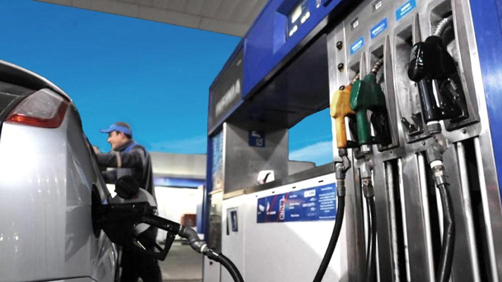 YPF aumenta mañana 6% la nafta