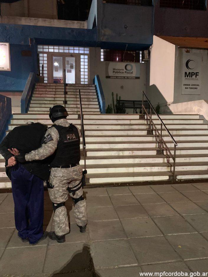 RÍO TERCERO: FPA INCAUTÓ MÁS DE 300 DOSIS DE MARIHUANA Y DETUVO A DOS SUJETOS POR DELIVERY DE DROGAS