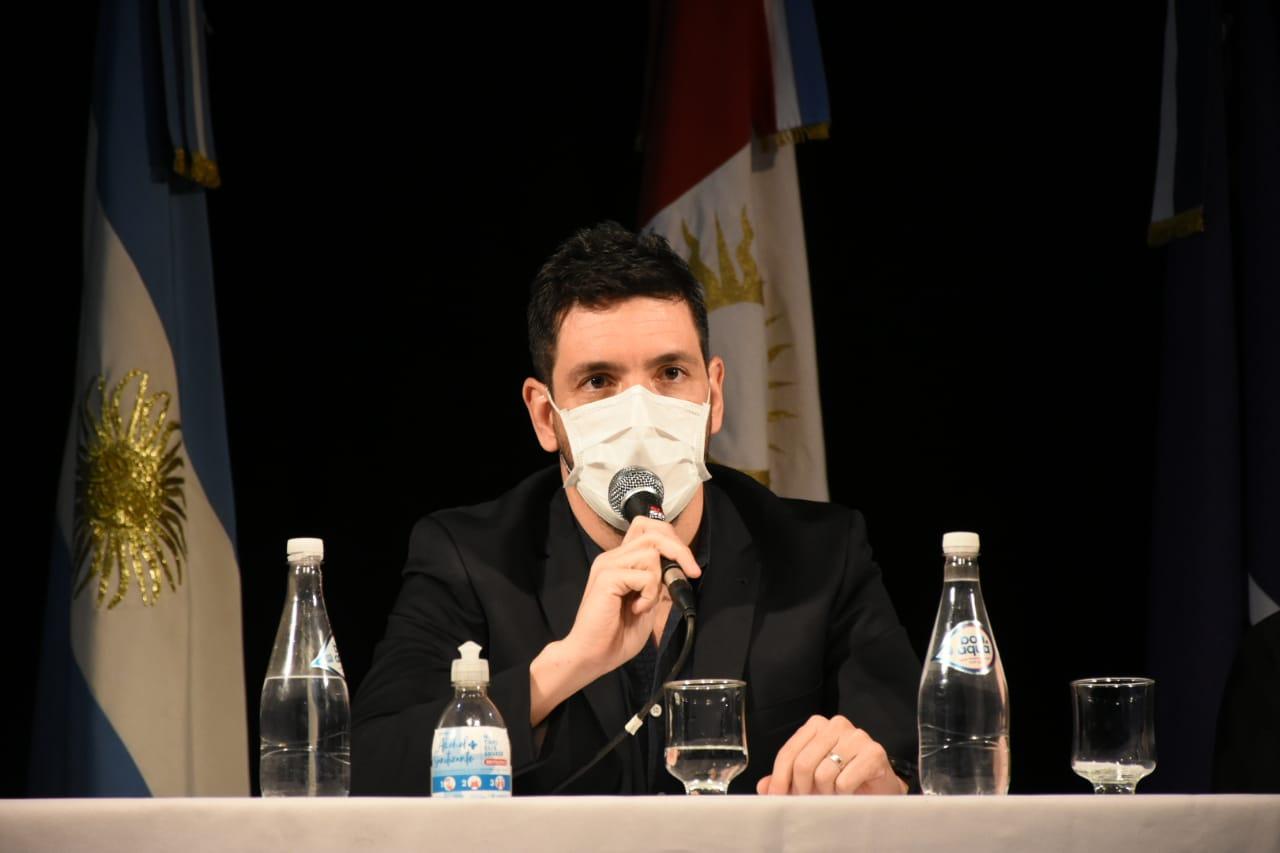 """Marcos Ferrer (Intendente): """"tenemos 6 casos positivo (3 del núcleo intimo) los demás son porque han tenido algun contacto; se espera los resultados de más de 20 hisopados, hay más de 300 aislados"""""""