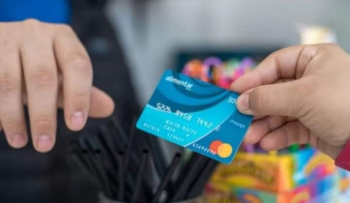 El dinero de la tarjeta Alimentar se cobrará en la misma cuenta que la AUH a partir de noviembre